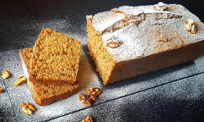 Slatki kruh sa bananama i orasima