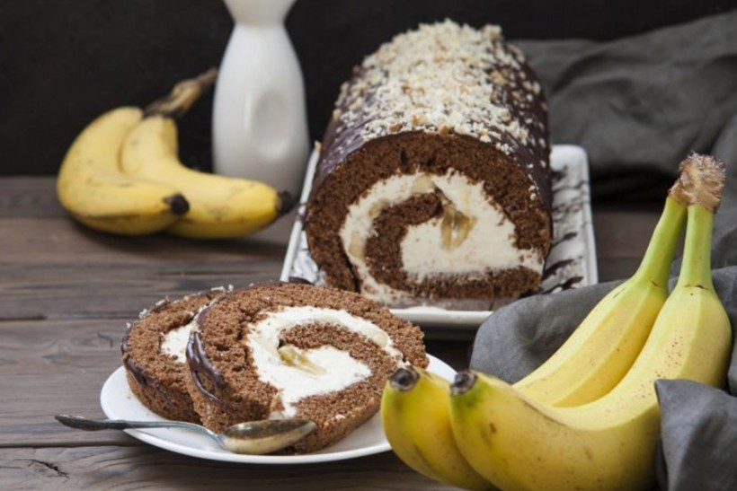 Čokoladna rolada s bananom