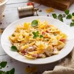 Hladna salata s tjesteninom i ukusnim umakom